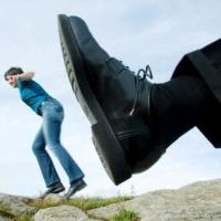 این رفتارها به شما می گوید که همسرتان خیانت می کند یا نه !؟