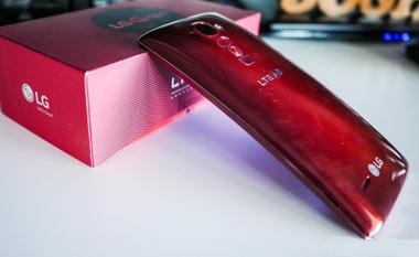 گوشی خمیده LG G Flex2 فقط ۲۰۰ دلار