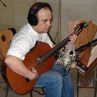 فیروز ویسانلو بدون استاد نوازنده گیتارشد + عکس و بیوگرافی و مصاحبه