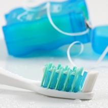 نخ دندان بهتر است یا خمیر دندان؟
