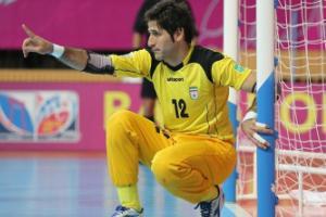 دروازه بان تیم ملی فوتسال: بچه ها از حرف های شمس زار زار گریه می کردند
