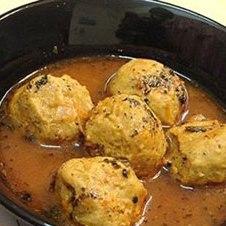 قرمزه نخودچی از نمونه غذاهای سنتی اصفهان