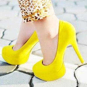 چگونه با کفش های پاشنه بلند راحت تر راه برویم؟