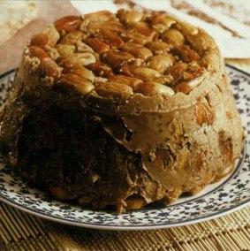 طرز تهیه نان خرما و گردو دارچینی