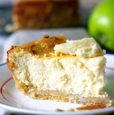 طرز تهیه ی کیک پنیر با سیب
