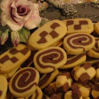 طرز تهیه ی شیرینی شطرنجی