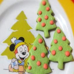 طرز تهیه بیسکویت کاج برای کریسمس