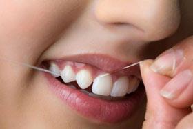 روش استفاده از نخ دندان(+تصاویر)