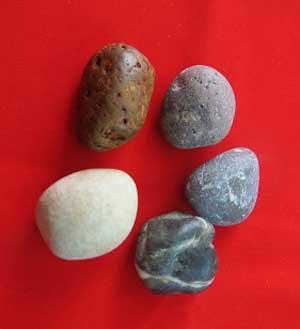 بازی محلی پنج سنگ