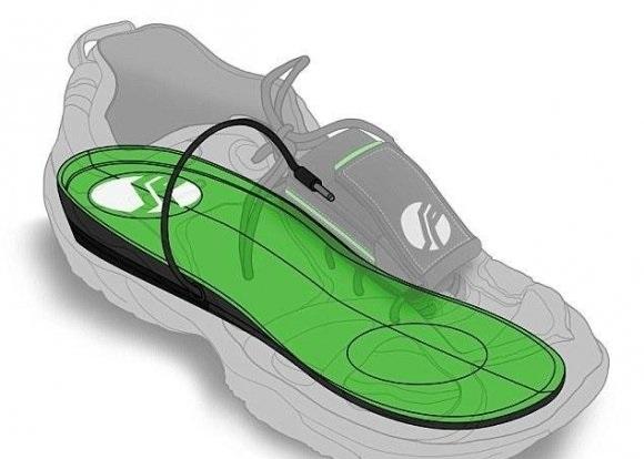 شارژ تلفن همراه با کفی کفش جدید