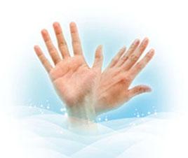 آب پاکی را روی دستش ریخت