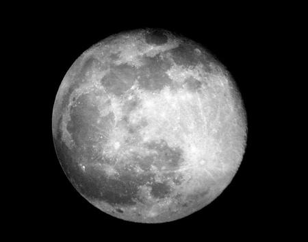 در مورد کره ماه بدانیم