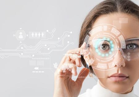 نابینایان بینایی خود را دوباره به دست میآورند