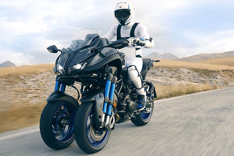 رونمایی از  موتور سیکلت سه چرخ اسپرت