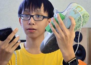 فناوری KickSoul به کاربر اجازه می دهد تلفن همراه را با حرکات پا کنترل کند