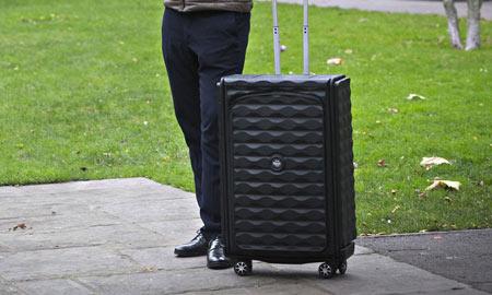 رونمایی از نخستین چمدان هوشمند جهان