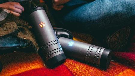 این لیوان هوشمند گوشی شما را شارژ می کند