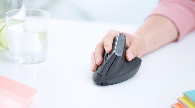 اختراع موس عمودی برای حفاظت از مچ دست