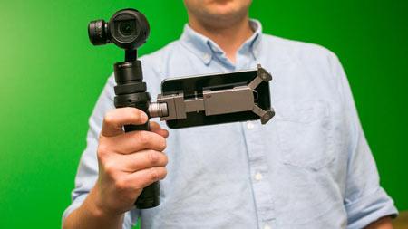 رونمایی از دوربینی کوچک که پهپاد را با گوشی کنترل میکند