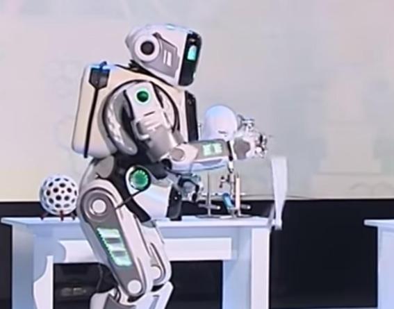 روباتی در روسیه که انسان از آب درآمد